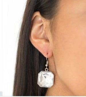 Me, Myself, and IDOL – White Earrings ~ Paparazzi