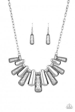 Paparazzi ♥ MANE Up - Silver ♥ Necklace