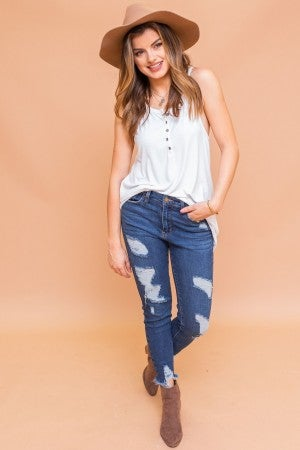 Layering in White Top