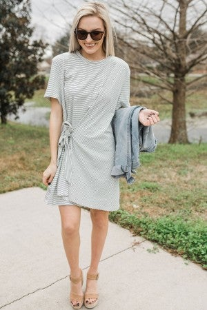 Tie to the Side Dress