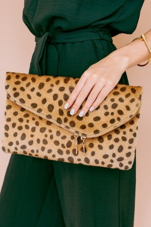 Clutching to Leopard