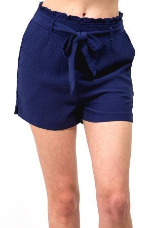Bag shorts with tie