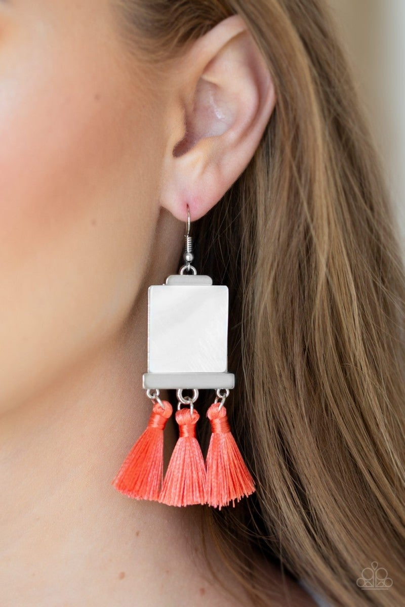 Tassel Retreat - Orange e104