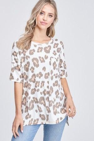 White Birch Short Sleeve Cheetah Print Knit Top in Ivory