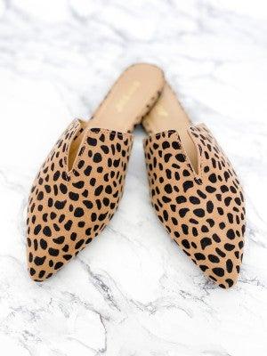 Cheetah Print Pointed Toe Flat Mules