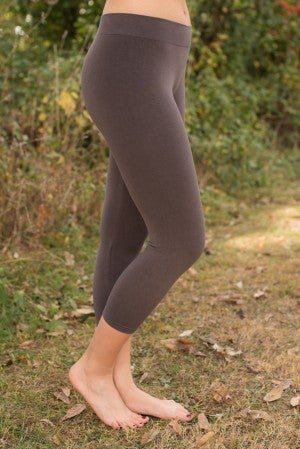 Curvy| Ahh-Mazing Basic Crop Legging - Dark Gray