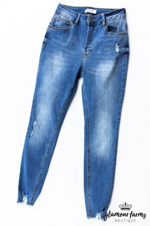 sku13391 | Distressed Skinny Jean