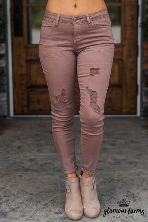 Stephanie's Fav Distressed Jean