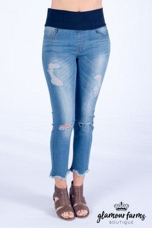 Scalloped Hem Distressed Tummy Tuck Capri Jean