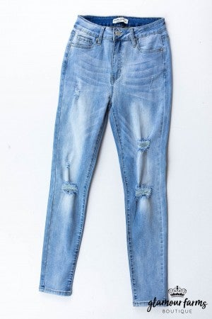 sku13399 | Distressed Skinny Jean