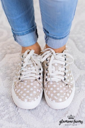 sku11301 | Puzzle Lace-Up Sneaker