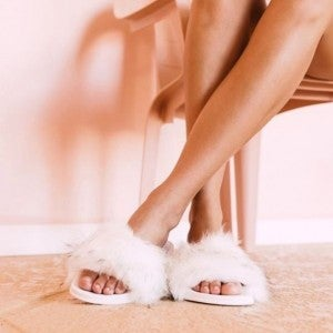 FURRY SLIDE SLIPPERS PINK