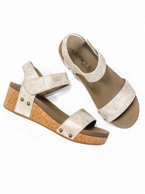 The Krystal Wedge Gold