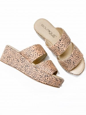 The Hannah Wedge Brown Speckled