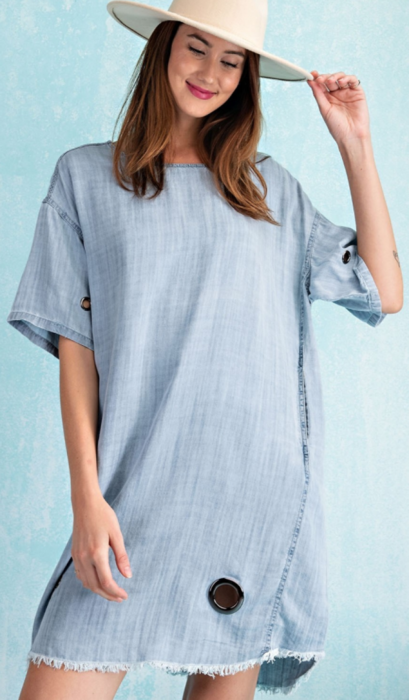 Washed denim dress with grommet