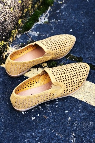 DoorBuster - Sunday Best Flat - Mustard