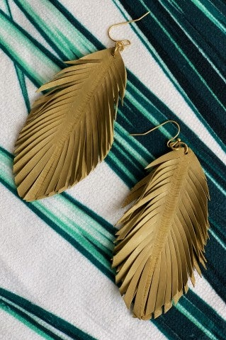 The Ava Feather Earrings - Tan