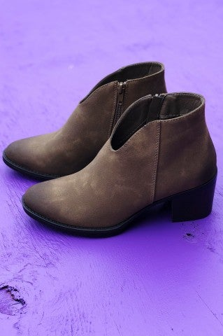 Curve Em Boot - Taupe