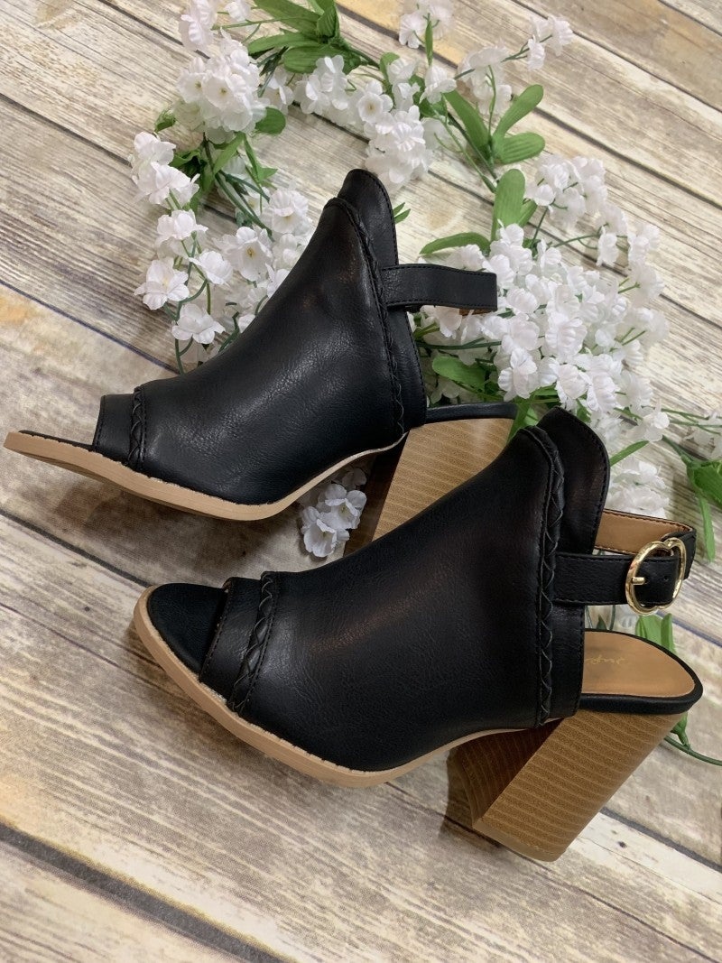 Step In The Right Direction Booties - Black