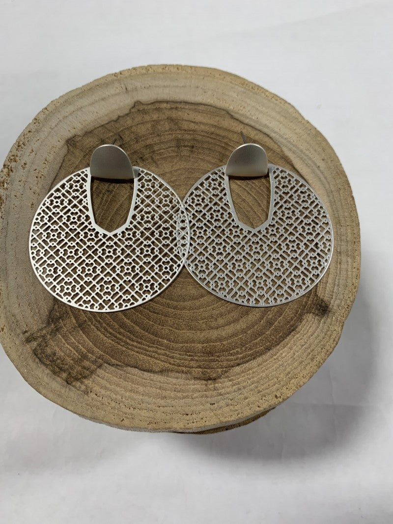 Silver Doily Patterned Circle Earrings