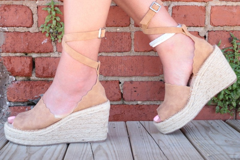 The Samantha Scalloped Wedges in Tan
