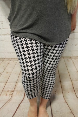 Coming Home Houndstooth Capri Leggings- Sizes 12-20
