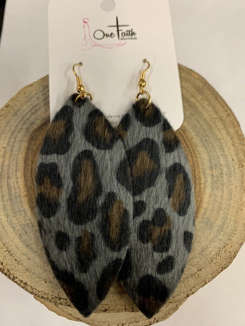 Swing this Way Leopard Ponyhair Earring In Gray