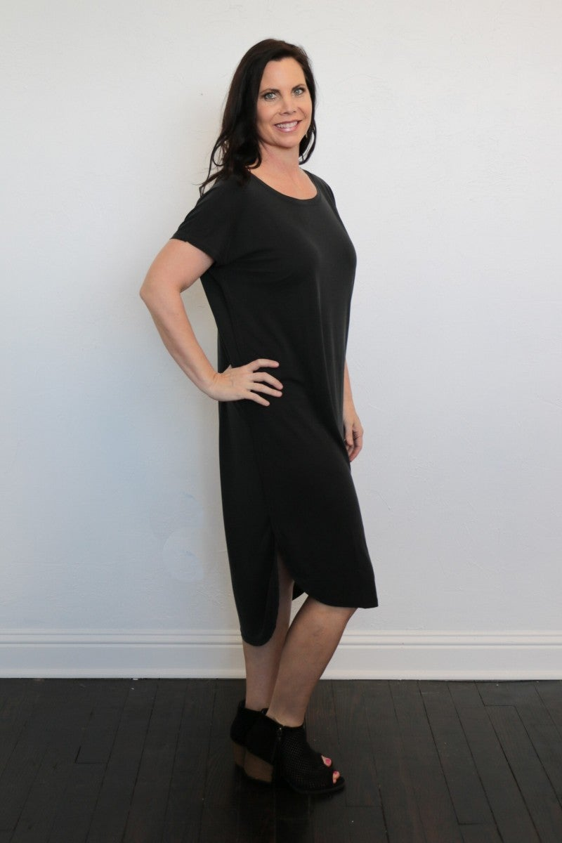 In The Middle T-Shirt Dress in Black - Sizes 4-10