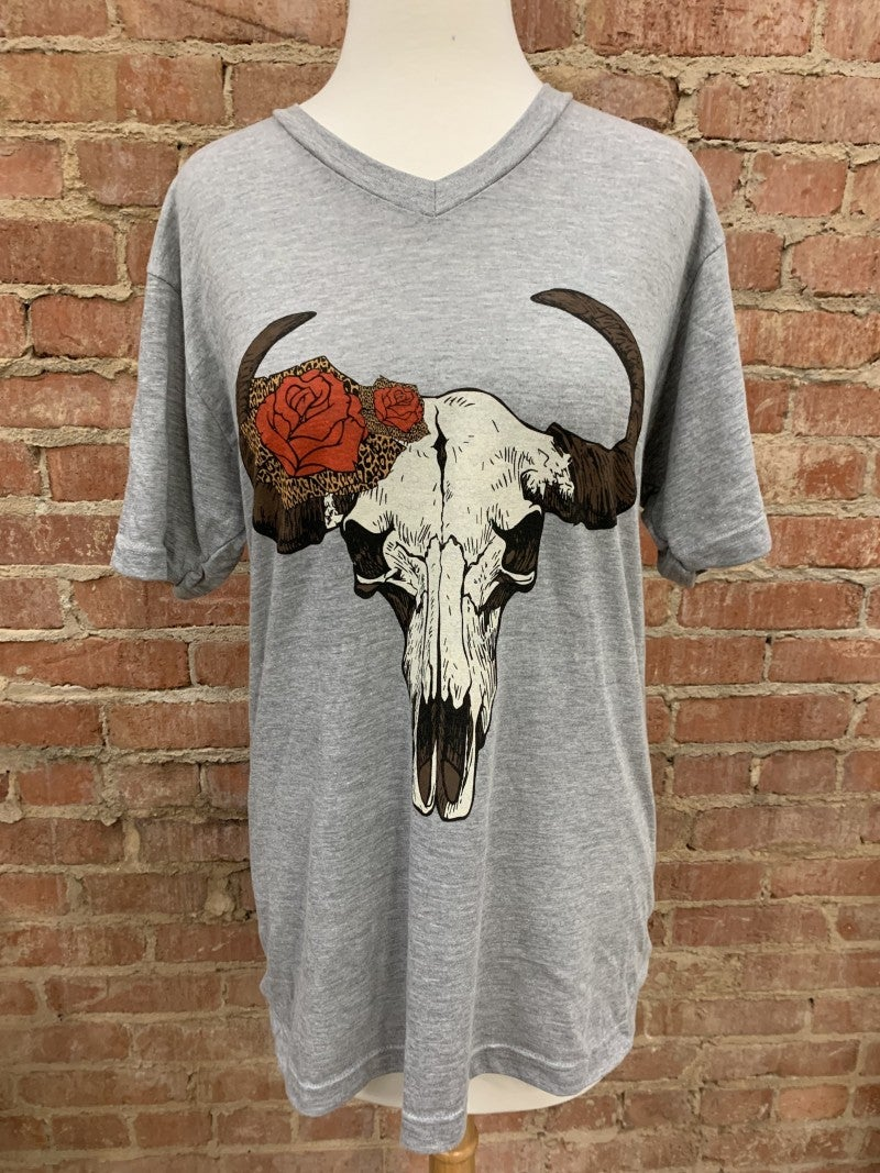 Bulls & Roses Graphic Tee in Gray ~ Sizes 6-18