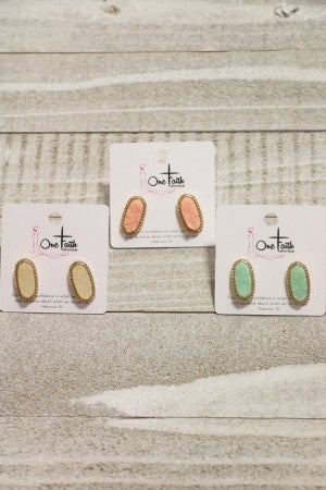Here She Comes Druzy Oval Stone Post Back Earring in Multiple Colors