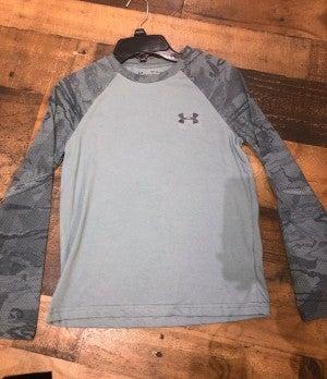 grey long sleeve under armor shirt