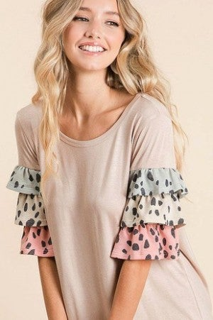 JERSEY KNIT TOP WITH DALMATIAN RUFFLED SLEEVES (2 colors)