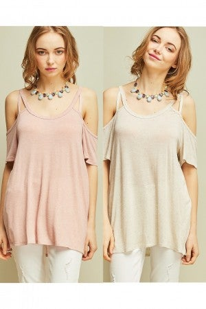 Solid open-shoulder top featuring cutout detail at front and back straps (3 colors)