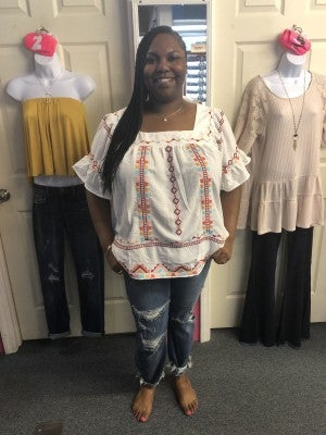 ANDREE WHITE EMBRODIERY TOP