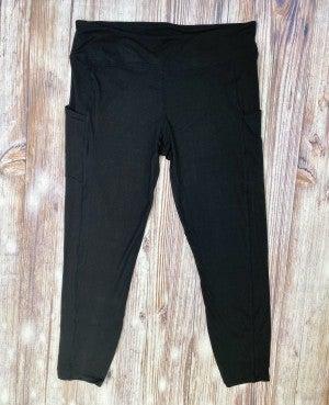 High Waisted Side Pocket Yoga Leggings in Black