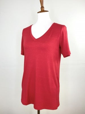 The Classic New V-Neck Tee in Ruby Red
