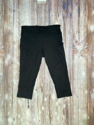 High Waisted Side Pocket Capri Leggings in Black