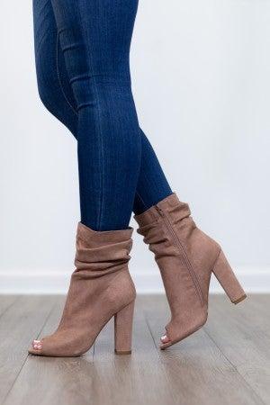 What She Wants Heel