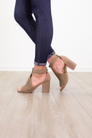 On One Knee Heel