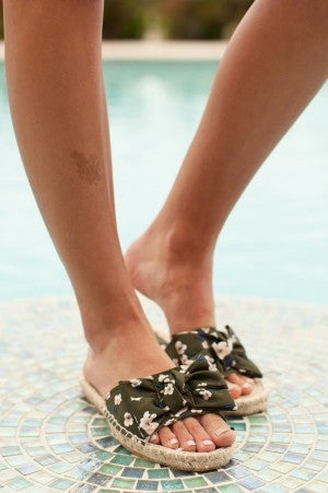 Bow Remains Sandal