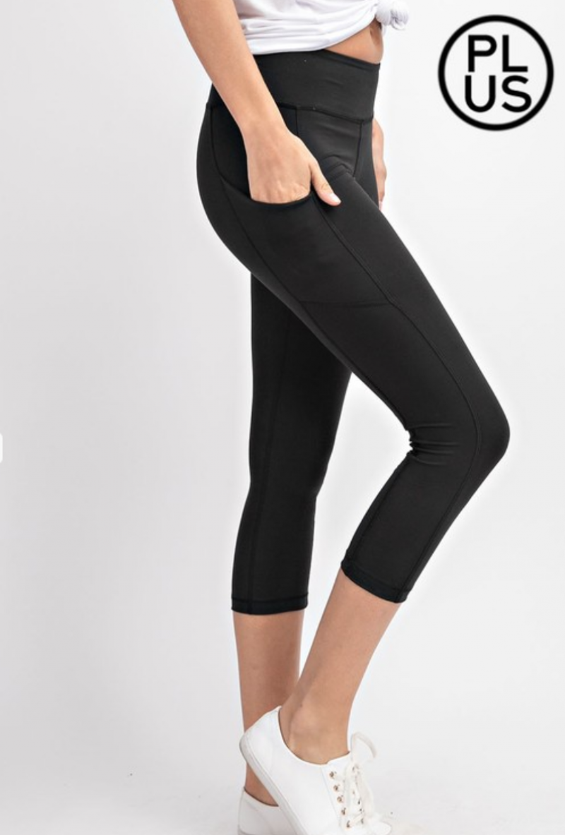 Black Capri Length Yoga Pants w/Pockets