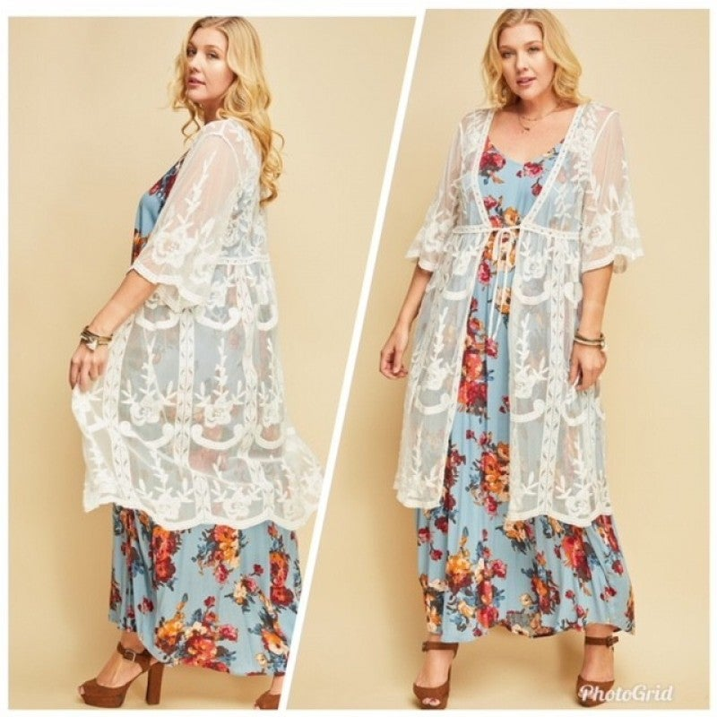 Embroidered Mesh Kimono with Scalloped Sleeves (Size 1XL/2XL)