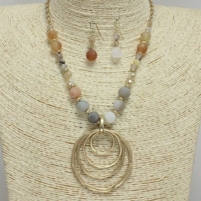 Stone Bead Necklace with Mat Gold Pendant