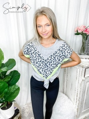 Honeyme - Short sleeve chevron detail animal print top(plus)