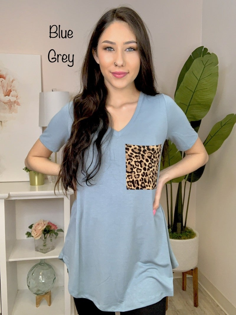 Zenana - Short sleeve leopard print pocket top