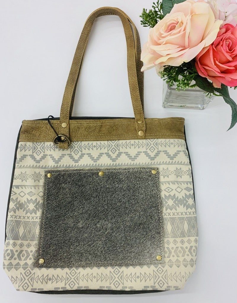 Myra Bag- Sequential Pocket Tote Bag