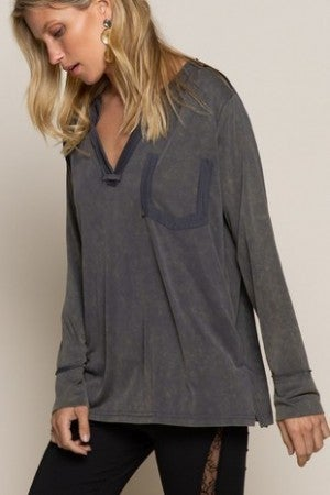 POL - Long sleeve knit top with raw seam
