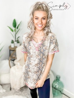 Honeyme - Snake print short sleeve round neck knit top(plus)