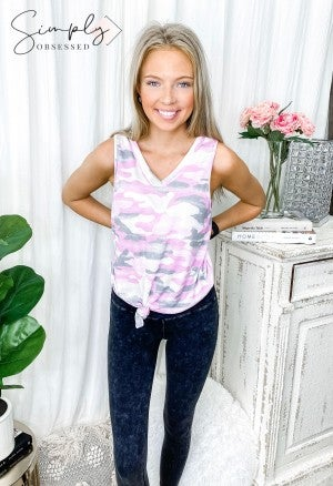 Honeyme - Sleeveless camo print v neck top(plus)