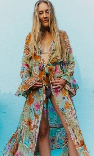 America & Beyond - Floral Beach Kimono